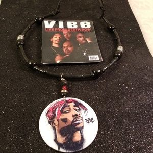 Other - 2 pac with his homies magnet and necklace gift set